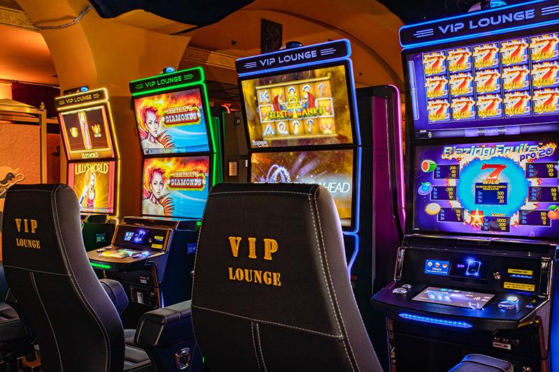 Казино предлагающих развлечения игровых автоматах выбор игроками онлайн веб чат рулетка без регистрации