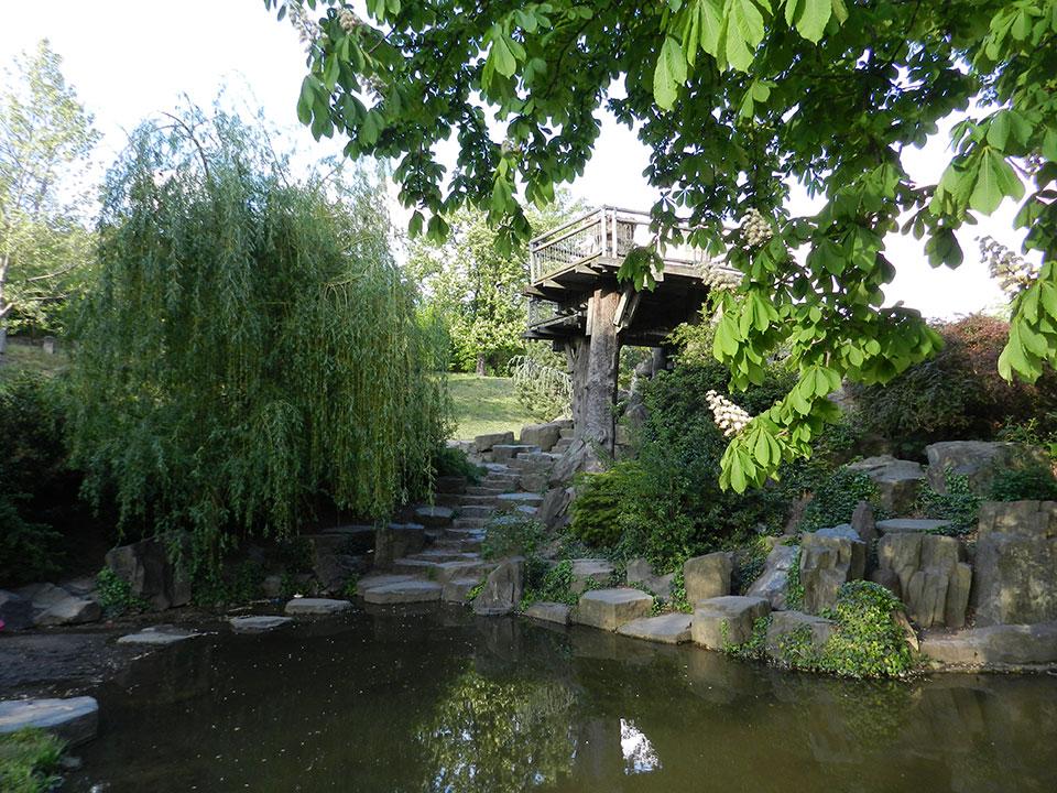 A nature walk with children in Prague 9 – Prosecke rocks and Podvinní Park