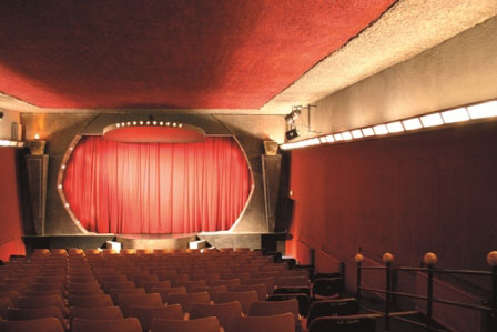 Divadlo Kouzel Prague 3