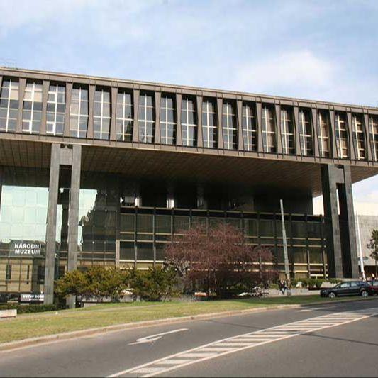 Il Nuovo edificio del Museo Nazionale di Praga
