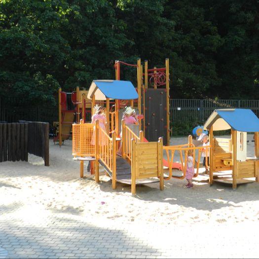 Parco giochi – nel giardino di Kinsky